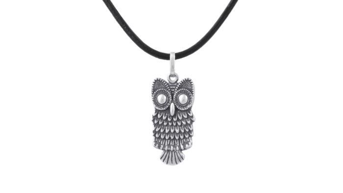 Сребърен медальон с бухал и естествена кожа