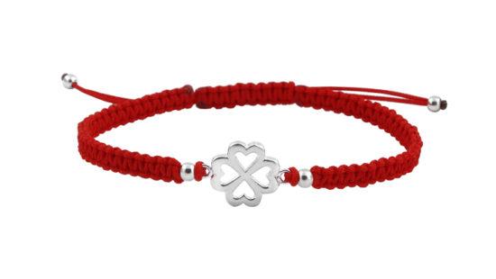 Гривна с червен конец и детелина