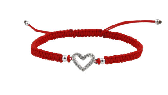 Гривна с червен конец и сърце